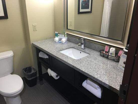 Holiday Inn Express & Suites Morrilton: photo0.jpg