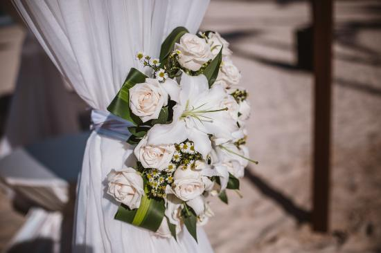 Paradisus Punta Cana Resort Canopy wedding flowers & Canopy wedding flowers - Picture of Paradisus Punta Cana Resort ...