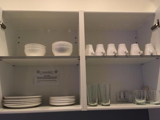 Jetset Franklin: Dish ware