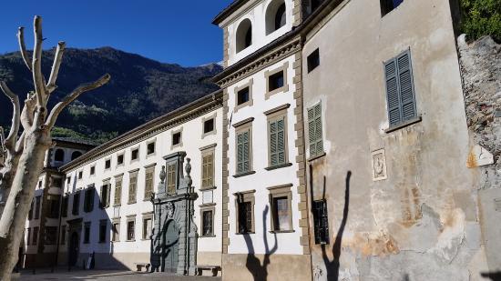 Palazzo Salis e Museo Senza Frontiere