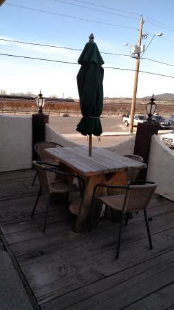 Drover's Inn: Patio - Hacienda Suite