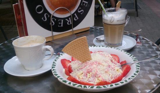 """Italienisches Eiscafe """"Im Ratshof"""""""