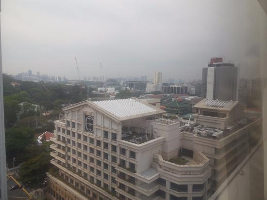 Peninsula Excelsior Hotel: View from the 16th floor