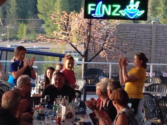 Blind Bay, كندا: Finz Bar and Grill
