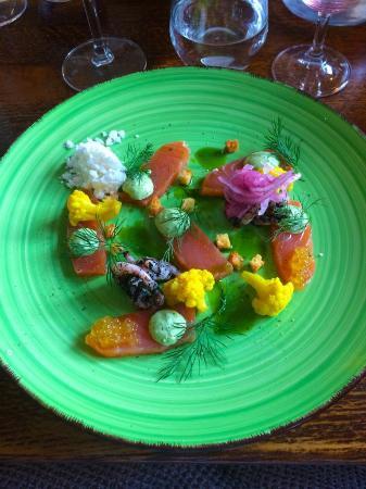 Simrishamn, Suécia: Gaffelns gravlax som ibland finns på menyn