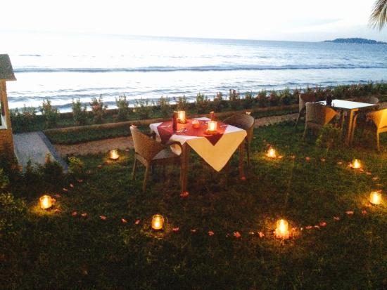 Pemenang, Indonesia: romantic dinner preparation