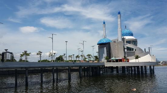 Losari beach & Losari beach hotel in Makassar.