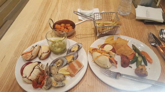 tasty seafood selection picture of bacchanal buffet las vegas rh tripadvisor com
