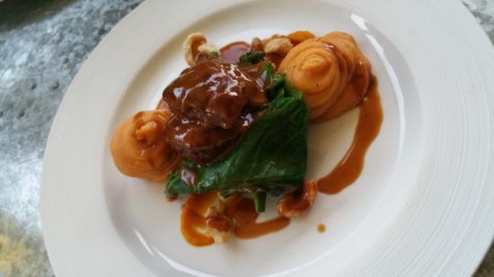 Ramsbottom, UK: Slow Cooked Pork Cheeks, Paprika & Lime Creamed Potato