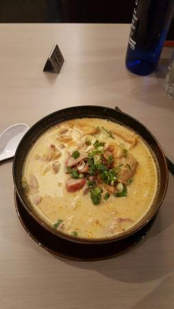 Asian Noodle House: Yummy combination laksa...