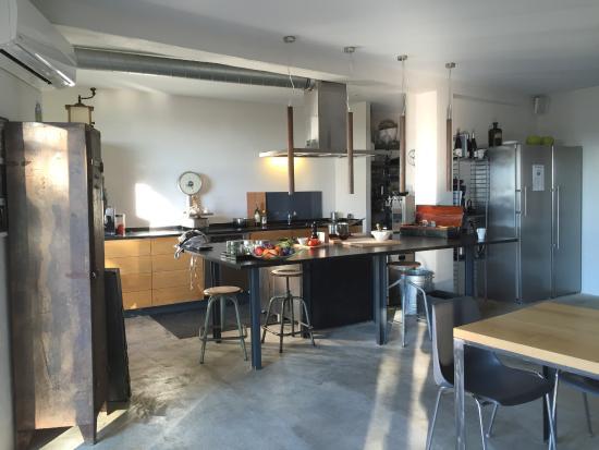 cuisine ouverte à la déco indus et design - Photo de Maison ...