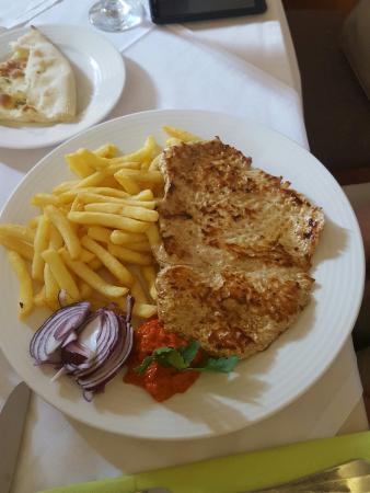 Varazdin, Chorwacja: Squid plate  , grilled turkey, Pizza bread with garlic