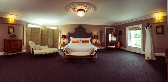 Clonabreany House: Bridal Suite