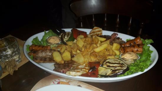 Silea, Italia: grigliata generale custer