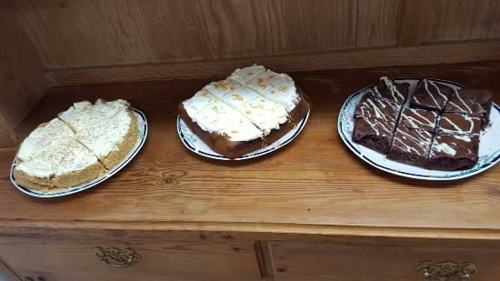 Bolton le Sands, UK: Delicious home made cakes