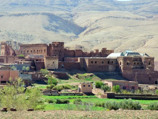 Cortile picture of kasbah du pacha el glaoui telouet for Morocco motors erie pa