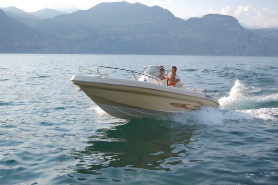 Go-Sail: SHARK 19