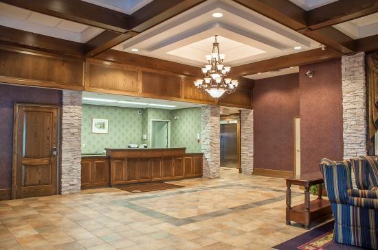 Comfort Inn Lundy's Lane: Main Building Lobby
