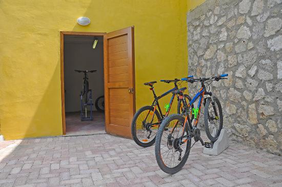 Belmonte Vacanze: Bike house for your bikes