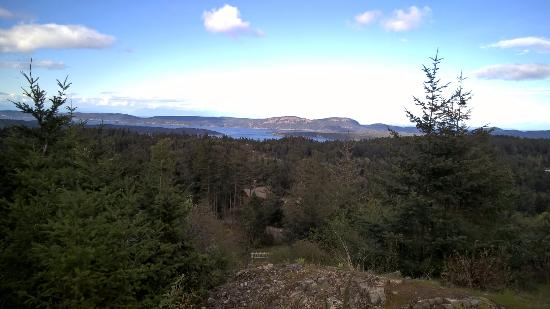 Salt Spring Inn: An incredible vista on a hike on Salt Spring Island, recommended by the Inn's front desk staff
