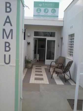 Omaruru, Namibia: Bambu wellness entrance