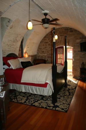 Wine Cellar Suite
