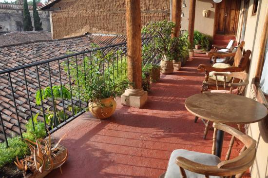 Posada Mandala: Balcony shared between rooms 4, 5, and 6