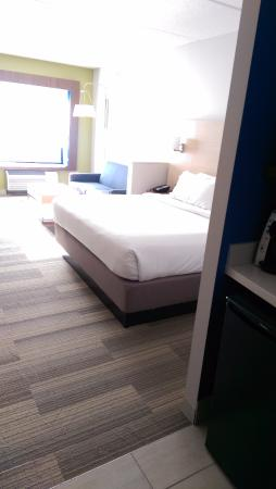 holiday inn express suites pittsburgh north shore picture of rh tripadvisor com
