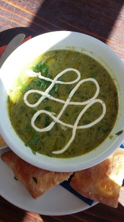 Latuske's: A fantastic Pea & Mint soup fro this Talented Team!