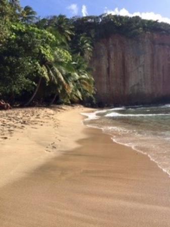 Calibishie, Dominika: Red Rocks