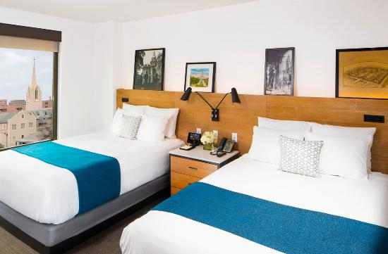 AT&T Executive Education and Conference Center : Double Queen or King Room