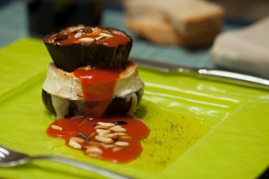 Baga, Espagne : Albergina amb formatge de cabra