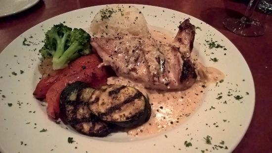 Salt Spring Inn Restaurant: Delicious chicken entree
