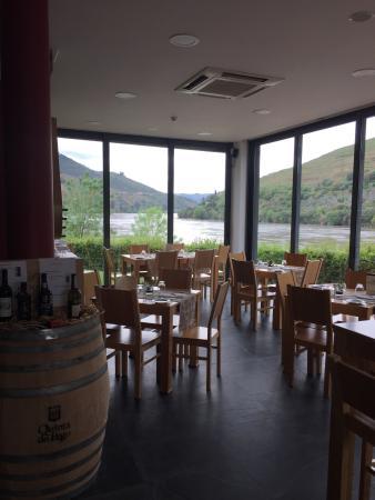 Foz Do Tavora Wine Bar