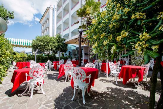 Four seasons hotel milano unosider