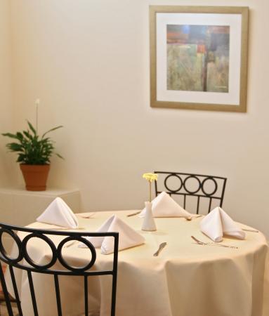 La Cucina: Table 5