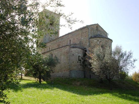 Ponzano di Fermo, Italia: Vista esterna dell'abside