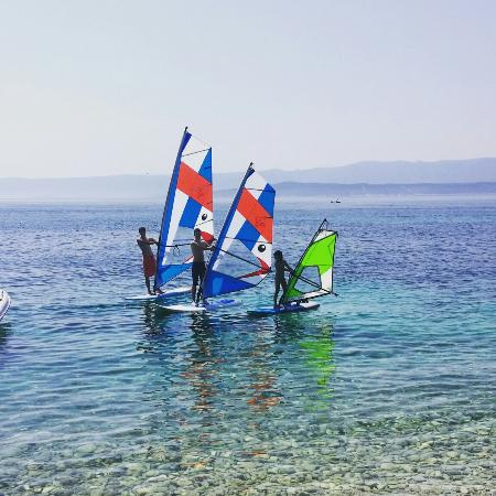 Île de Brac, Croatie : Windsurf school, rental and storage