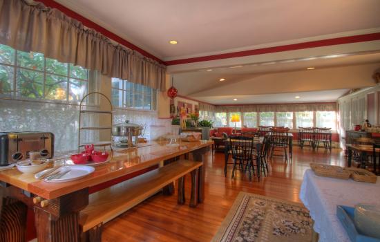 West Harwich, MA: Our Breakfast Room