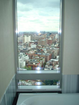 Beim Baden auf Manhattan schauen