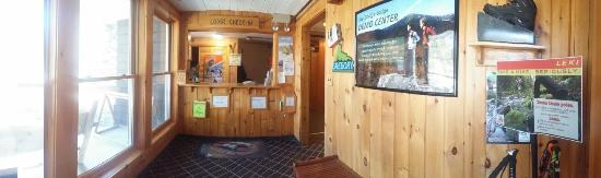 Joe Dodge Lodge : Lobby, check in desk, & Room 102
