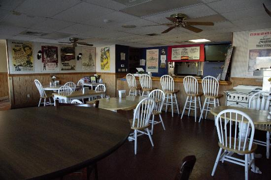 ฟรอนต์รอยัล, เวอร์จิเนีย: Cafe in Clubhouse near pool