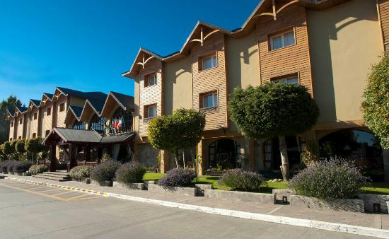 Quijote Hotel: FRENTE DEL HOTEL