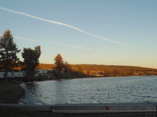 Lac La Hache und Kokanee Bay Motel/Campground