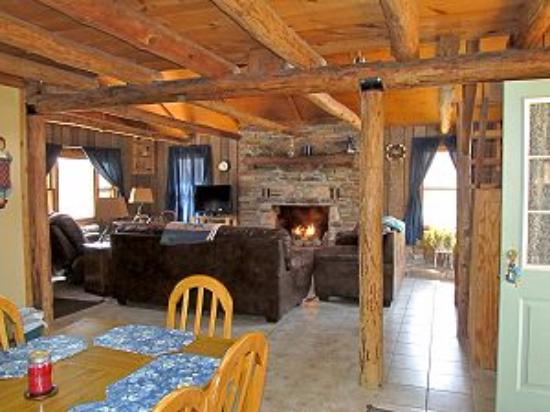 Marble Falls, AR: Cabin is cozy, functional and very comfortable