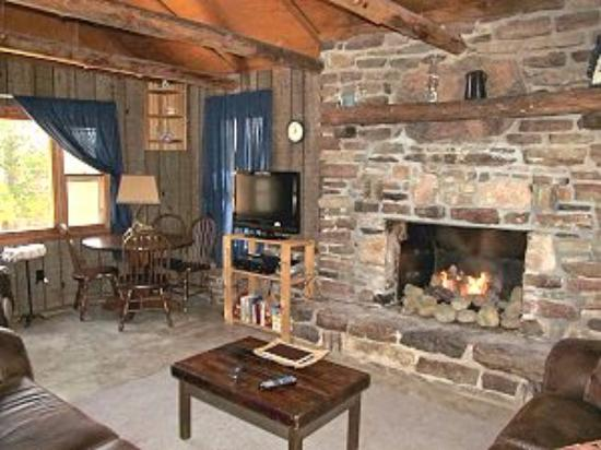 Marble Falls, AR: Beautiful and warm rock fireplace