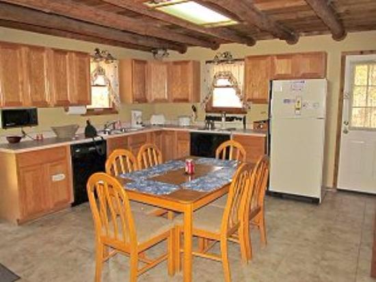Marble Falls, AR: Nice clean kitchen