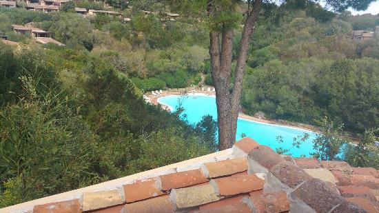 Vista piscina da balcone foto di residence il mirto - Piscina da balcone ...