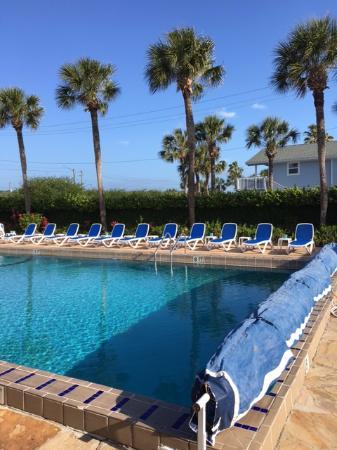 La Fiesta Ocean Inn & Suites: Saturday morning pool time