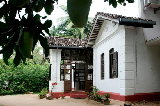 Home Stay Strand: Main Entrance